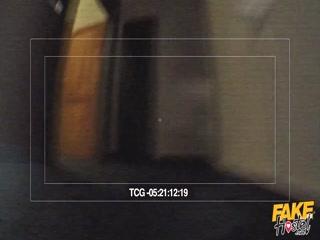 Смотреть порно видео, где две девушки трахаются с парнем на диване и столе дома