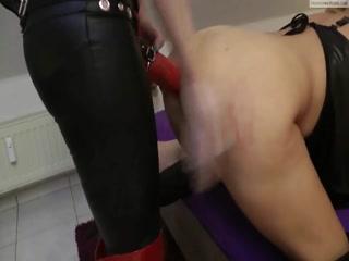 Порно кастинг лесбиянок, которые обожают сосать члены